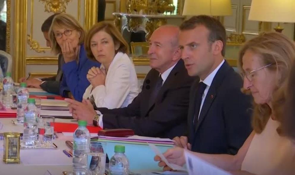 Pháp dự tính giảm chi tiêu an sinh xã hội nhằm giảm tình trạng thâm hụt ngân sách