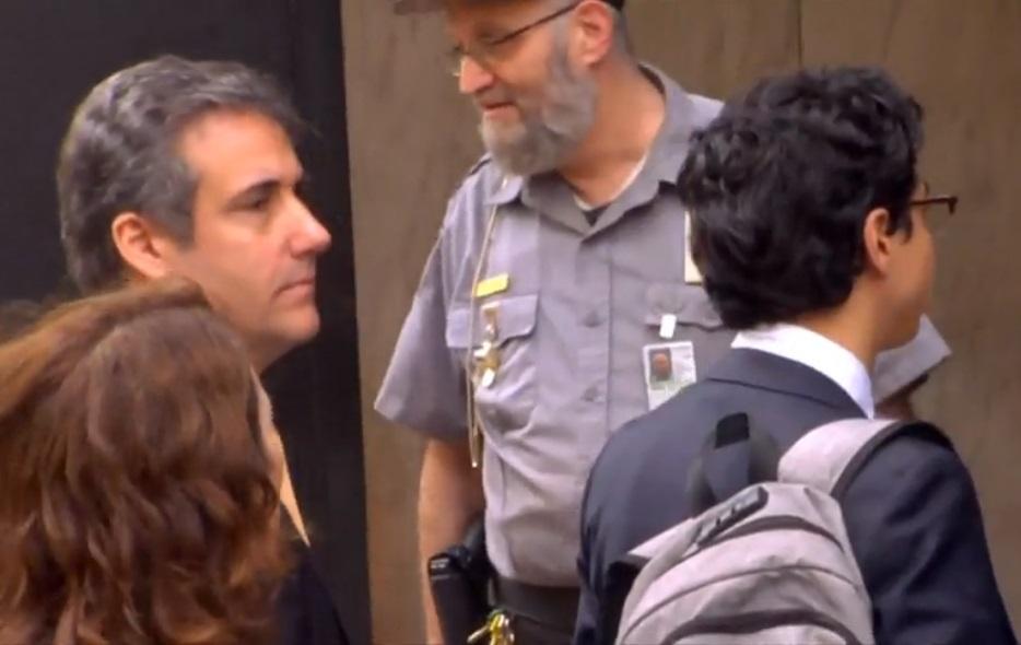 Micheal Cohen chịu thua FBI, dự kiến sẽ đồng ý thỏa thuận nhận tội