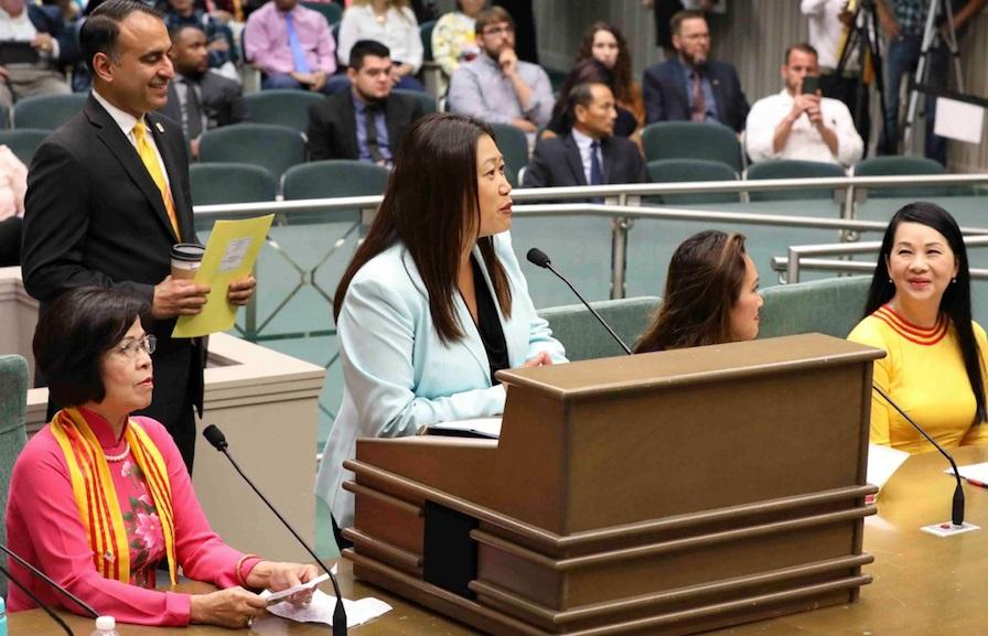 Dự luật SB 895 của Thượng Nghị Sĩ Janet Nguyễn được Ủy Ban Chuẩn Chi Hạ Viện thông qua