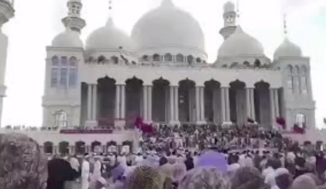 Trung Cộng hoãn việc phá hủy một nhà thờ Hồi Giáo do người dân biểu tình