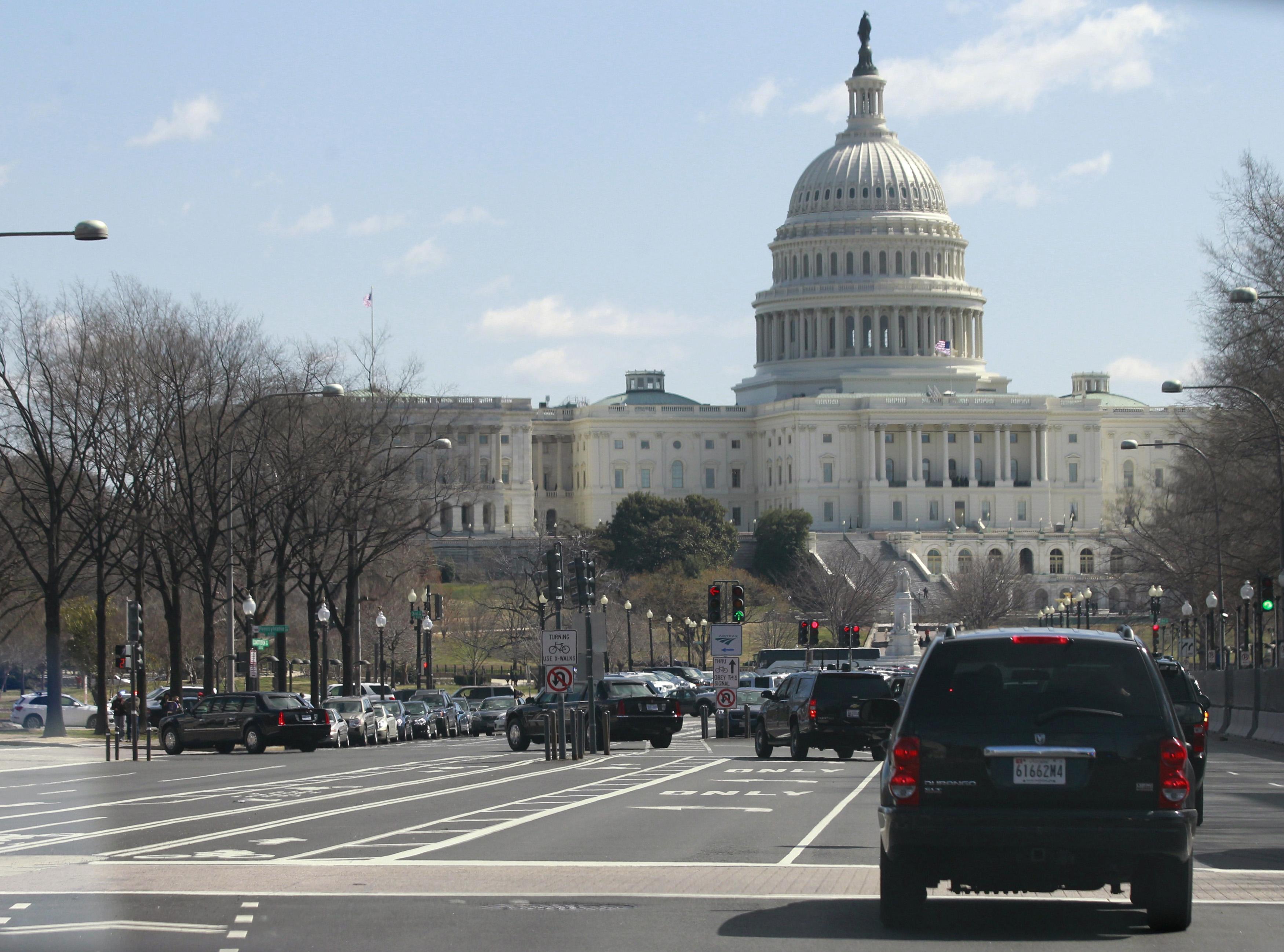 Quốc Hội sẵn sàng phê chuẩn ngân sách chính phủ, nhưng không tài trợ bức tường biên giới