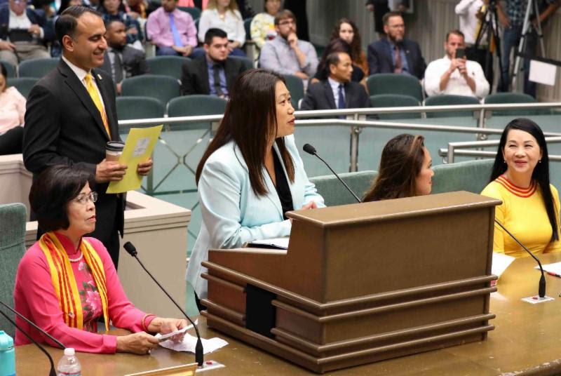 Lưỡng Viện California thông qua luật dạy lịch sử Người Việt Tị Nạn