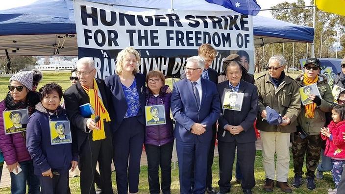 Các dân biểu Úc gặp đại diện cộng đồng Việt về tình hình nhân quyền Việt Nam