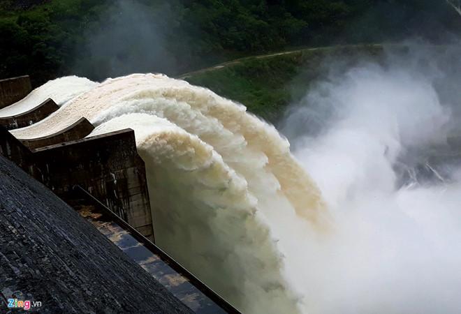 Đoàn kiểm tra xác nhận thủy điện ở Nghệ An xả lũ gây thiệt hại gần 9 tỷ USD