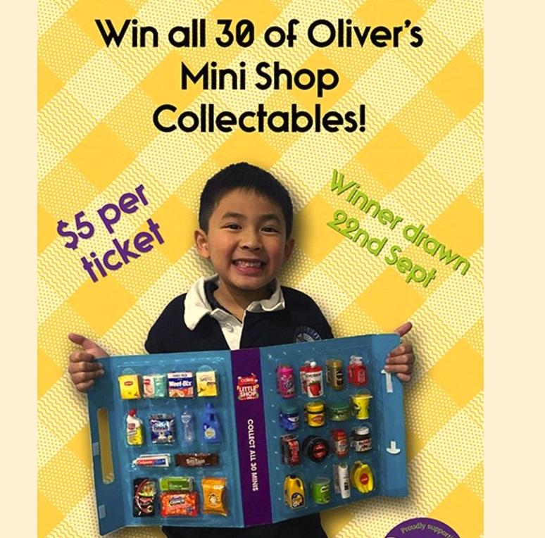 Bé trai gốc Việt 6 tuổi ở Melbourne bán bộ sưu tập đồ chơi gây quỹ từ thiện