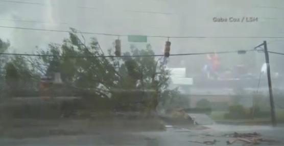 Bờ Đông Hoa Kỳ hứng chịu mưa lũ nặng do bão Florence, ít nhất 7 người thiệt mạng