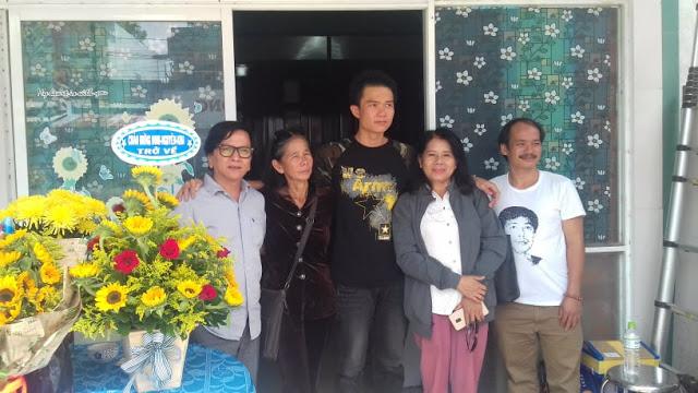 Tù nhân lương tâm Đinh Nguyên Kha về nhà bằng xe cấp cứu