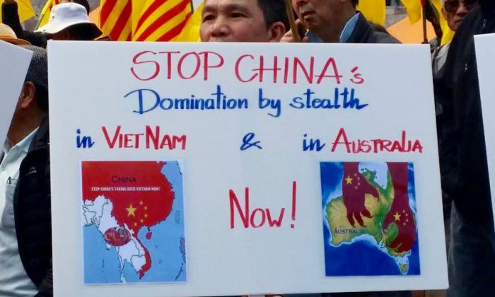 Cộng đồng Việt Nam ở Melbourne biểu tình cảnh cáo người Úc về Trung Cộng