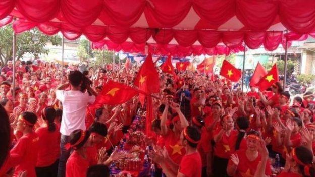 Linh mục Đặng Hữu Nam bị thành viên Hội cờ đỏ dọa giết