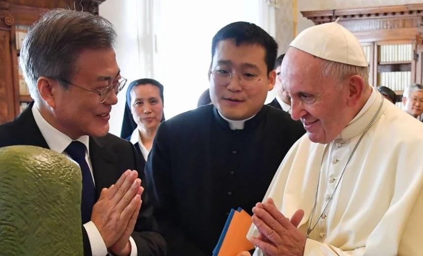 Đức Giáo Hoàng đồng ý thăm Bình Nhưỡng, từ chối lời mời của Đài Loan