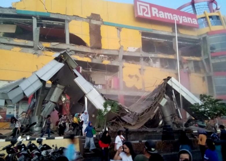 Người Việt cứu trợ người Indonesia! (Nam Lộc)