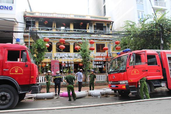 Cháy nhà hàng phục vụ khách Trung Cộng tại Nha Trang