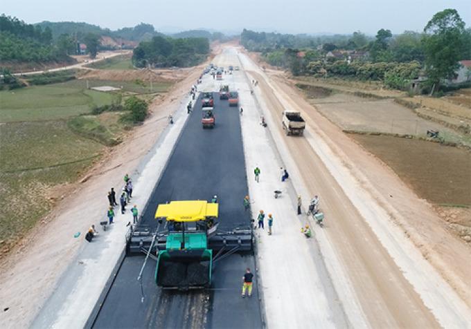 Việt Nam xây xa lộ tốc hành 115 km nối biên giới Trung Cộng