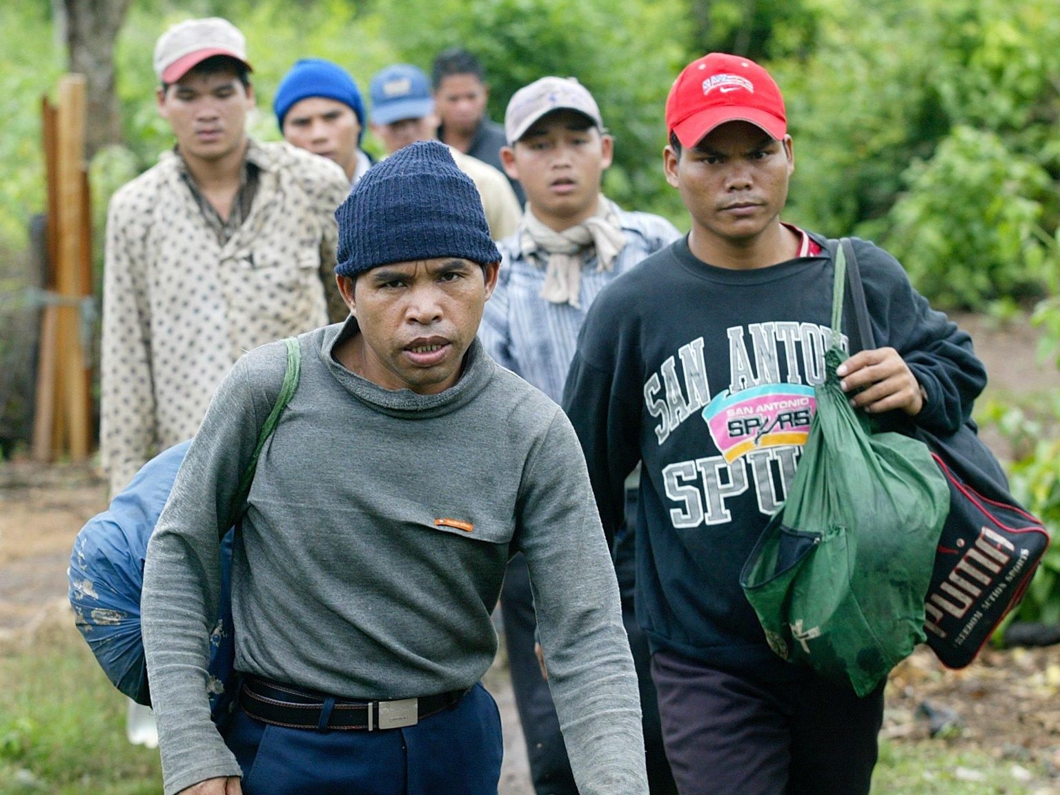Người Mỹ gốc Degar ở Cao nguyên Trung phần Việt Nam bị CSVN đốt nhà