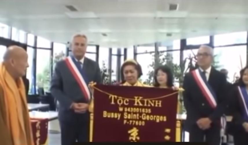 Người Việt ở Pháp phản đối nhóm người Hoa xưng 'Tộc Kinh'