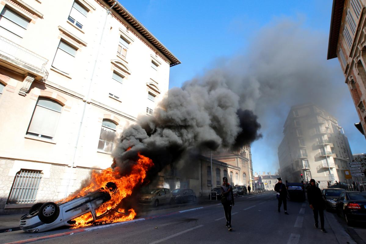 Chính quyền Pháp lo ngại trước tình trạng bạo lực