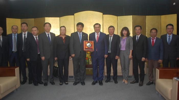 Trung Cộng muốn mở đường bay từ Thành Đô sang Sài Gòn và Đà Nẵng