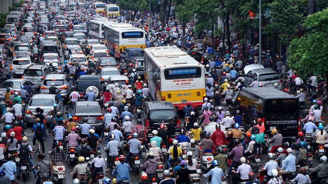 Dân Việt Nam sắp chịu thêm loại thuế mới khi tham gia giao thông