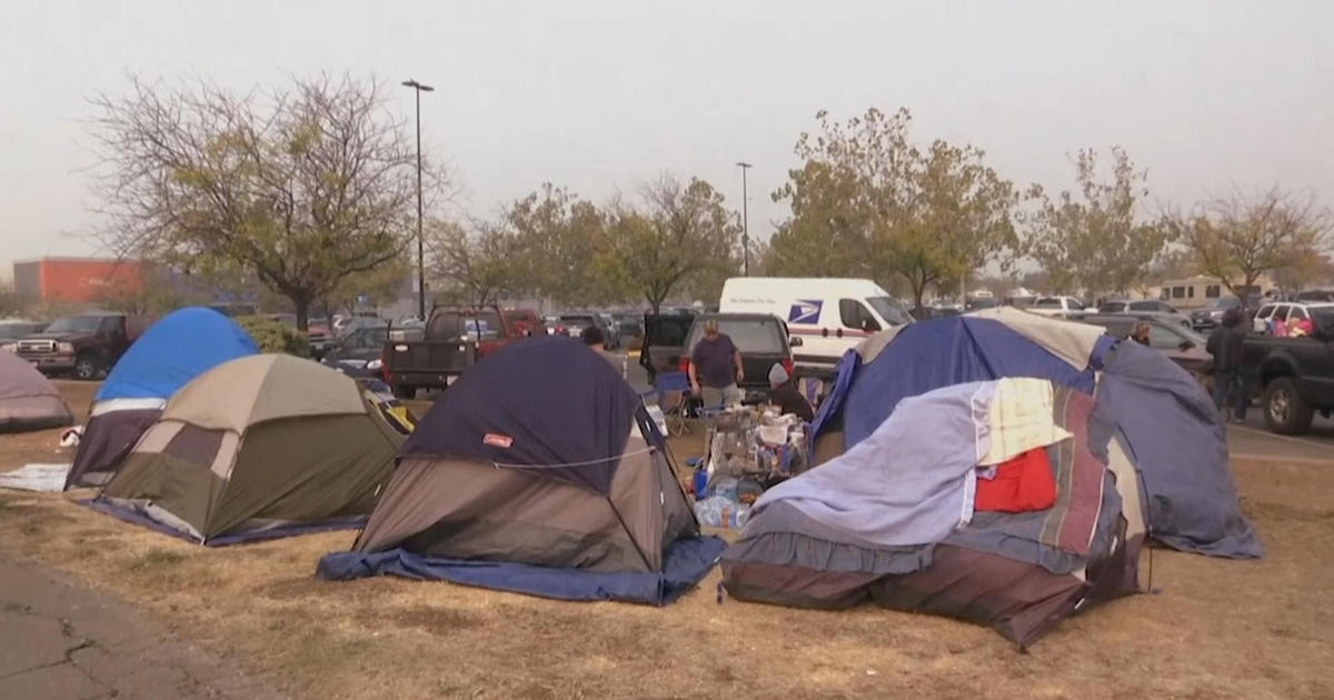 Người dân di tản vì đám cháy Camp Fire đã được phép trở về nhà