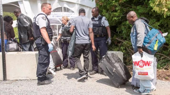 Ngân sách dành cho một người tầm trú ở Canada lên đến 14,000 Mỹ kim