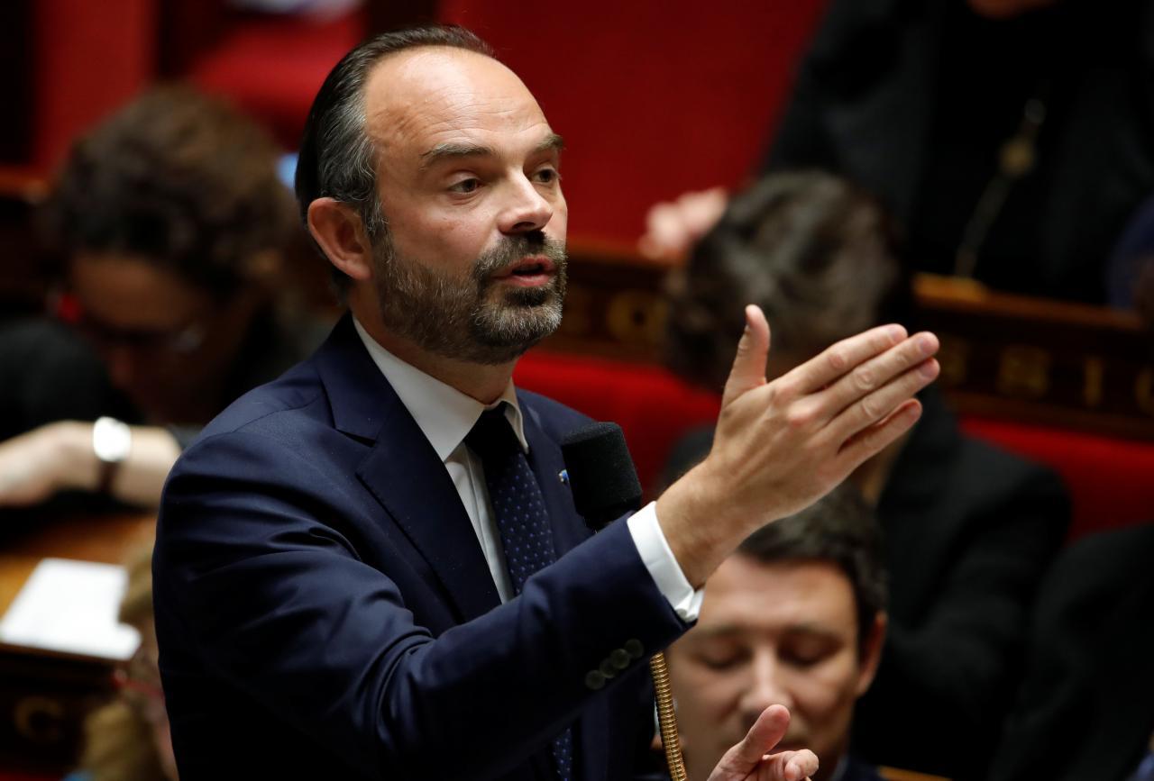 Chính quyền Pháp thay đổi quyết định tăng thuế nhiên liệu