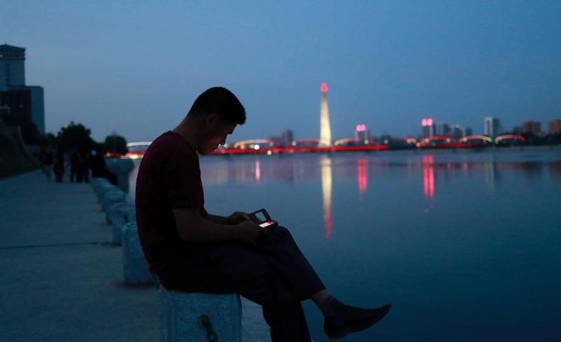 Bắc Hàn lo ngại thông tin lan truyền bằng điện thoại di động
