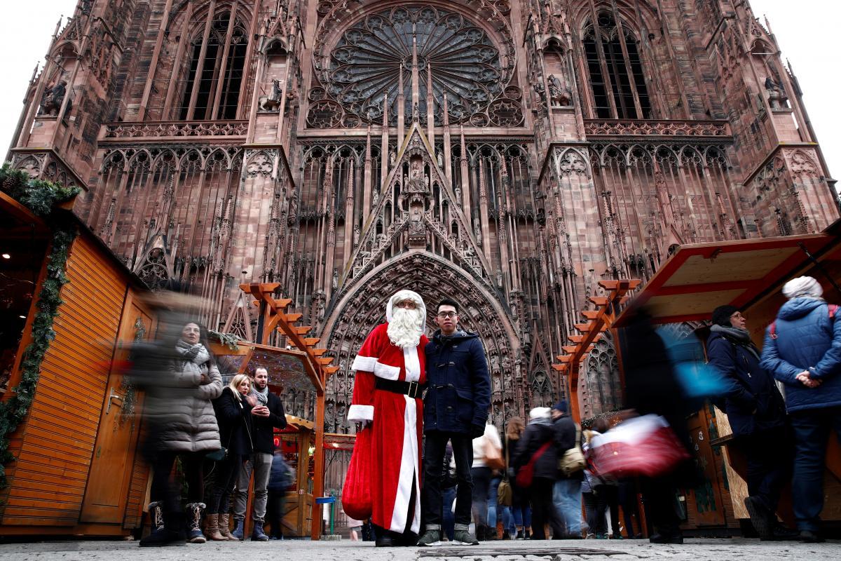 Thánh phố Strasbourg mở lại khu chợ Giáng Sinh