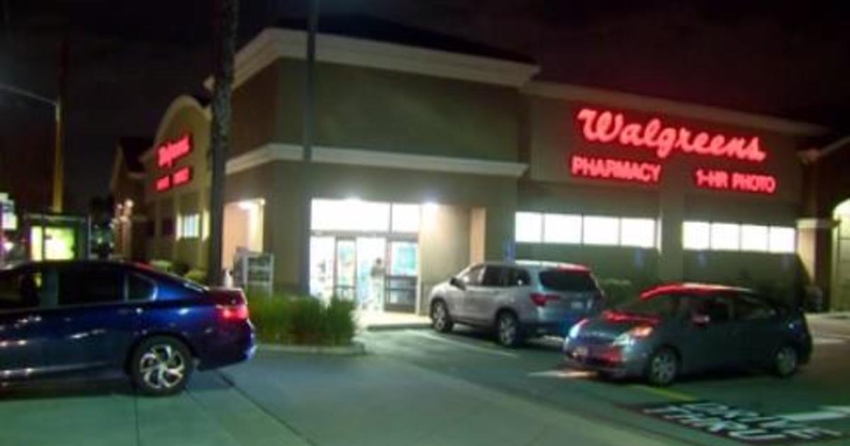 Phụ nữ gốc Việt giả mạo là dược sĩ để làm việc cho Walgreens