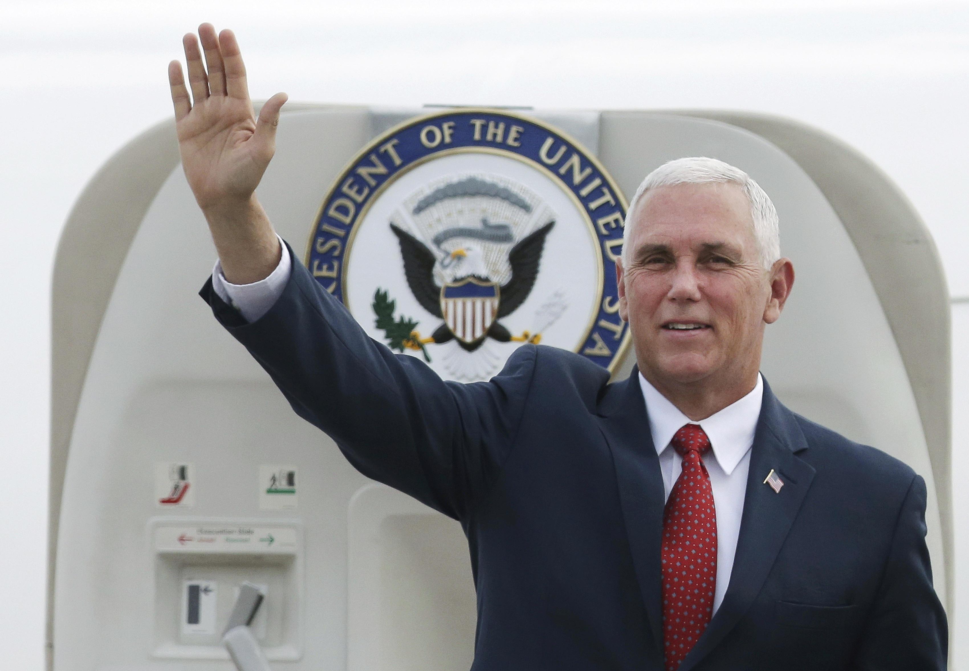 Phó Tổng thống Mike Pence tuần hành ủng hộ Venezuela ở Miami