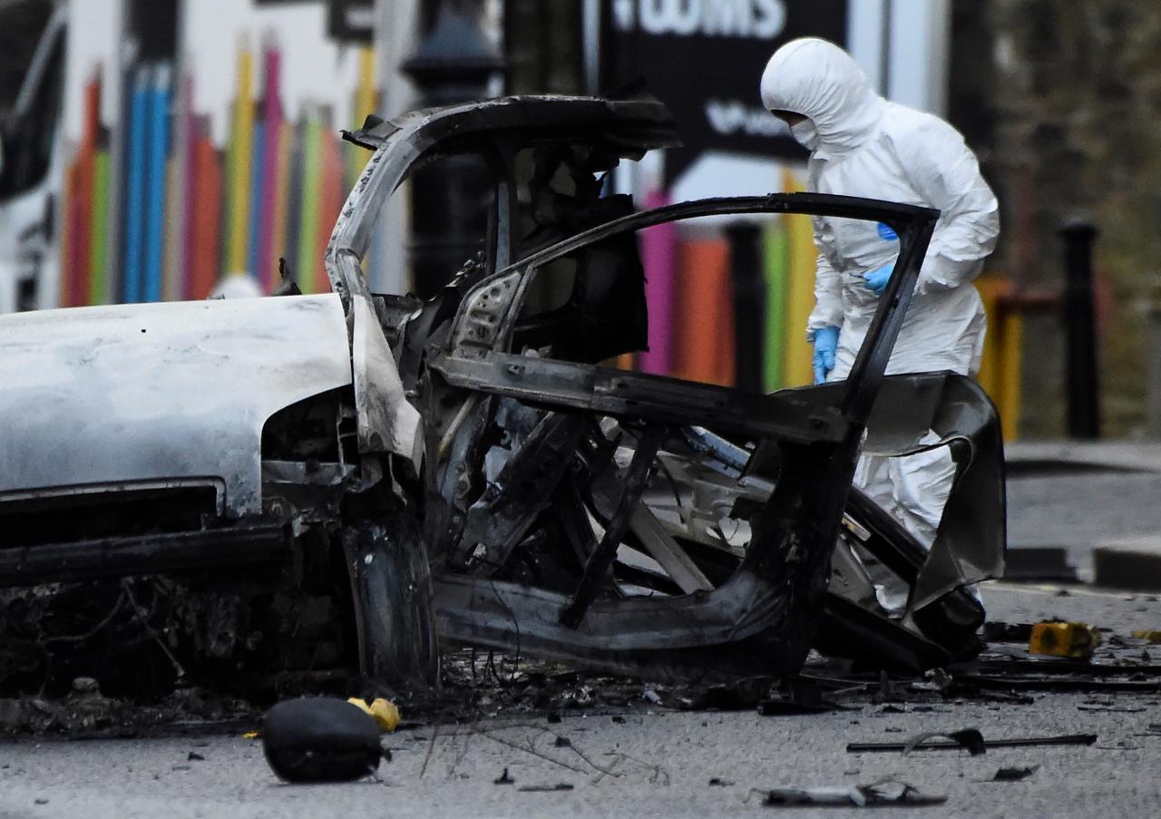 Bốn người bị bắt trong vụ đánh bom xe ở Bắc Ireland