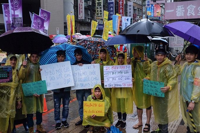 Chi phí môi giới tìm việc cao đưa người lao động Việt Nam vào cuộc sống bấp bênh ở Đài Loan