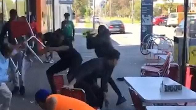 Các cửa hàng của người Việt ở Melbourne, Úc đặt trong tình trạng báo động