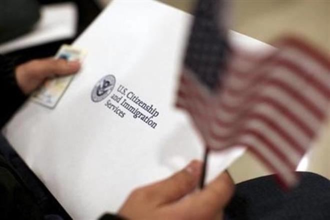 Tổng thống Trump hứa sẽ thay đổi visa lao động H1-B