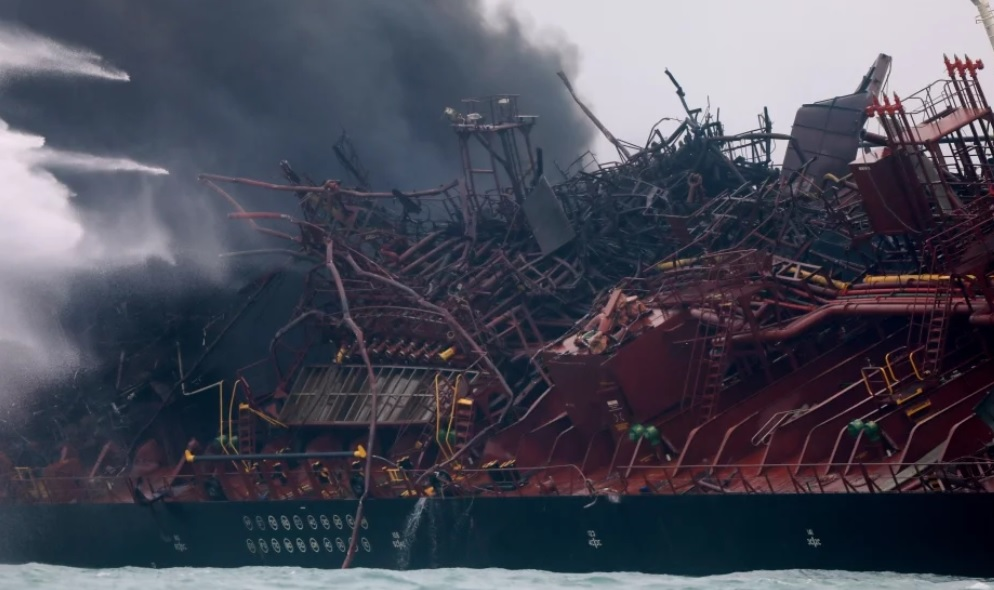 Người nhái Hong Kong tìm kiếm hai thuỷ thủ Việt Nam của tàu chở dầu còn mất tích