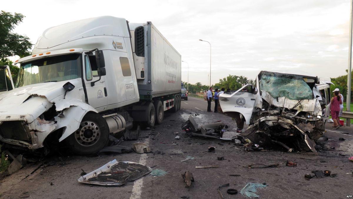Nạn nhân tai nạn giao thông năm 2018 ở Việt Nam bằng dân số một huyện