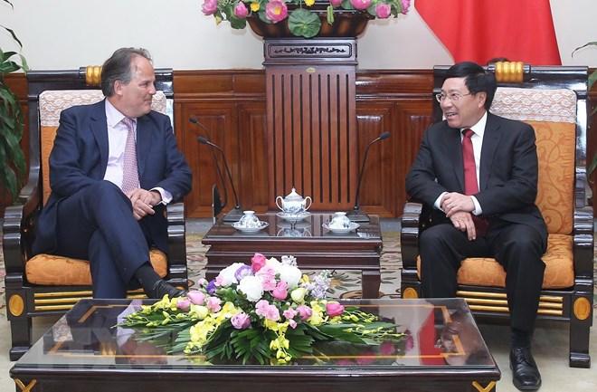 Bộ trưởng Anh bị chỉ trích vì không lên án Việt Nam kiểm duyệt và hạn chế internet