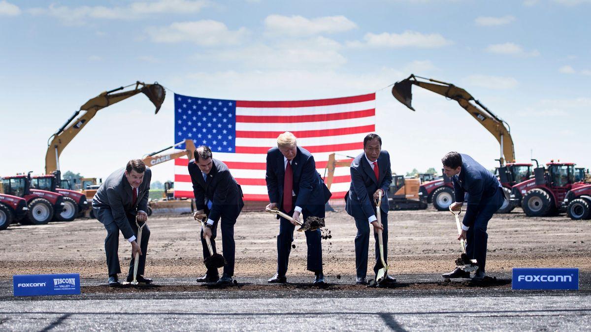 Foxconn sẽ đặt nhà máy sản xuất màn hình phẳng tại Wisconsin sau cuộc điện đàm với Tổng thống Trump