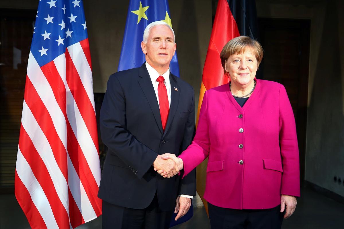 Phó Tổng thống Mike Pence trách EU về vấn đề Iran