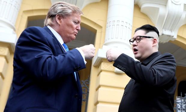 CSVN doạ trục xuất người đóng giả Trump và Kim trên đường phố Hà Nội
