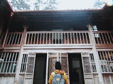 Cán bộ CS Hà Giang chiếm nhà người sắc tộc H'mong để kinh doanh du lịch