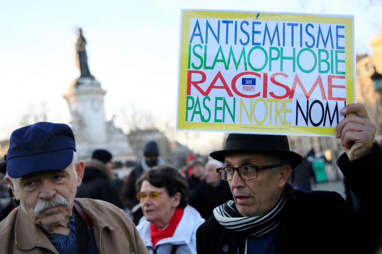 Pháp chấn động vì tình trạng bùng phát bạo lực và lạm dụng chủ nghĩa bài xích Do Thái