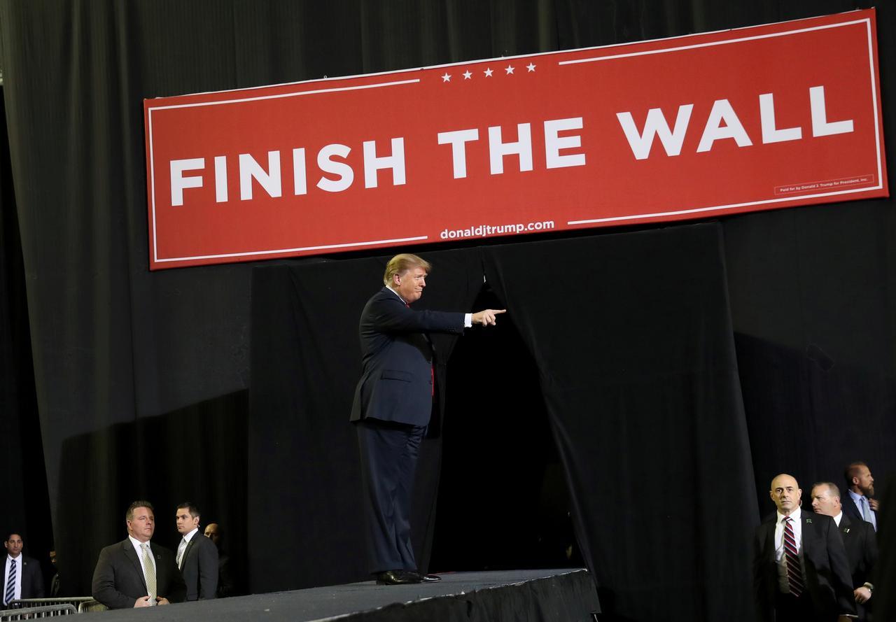 Tổng thống Trump sẽ đề nghị Quốc hội phân bổ 8.6 tỷ USD cho bức tường biên giới