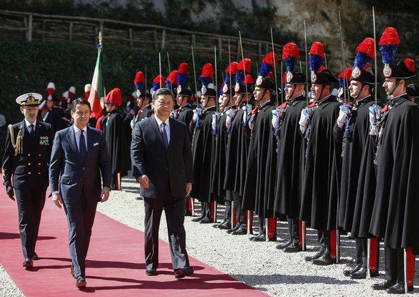 Biểu tình ở  Ý chống lại vi phạm nhân quyền ở Trung Cộng
