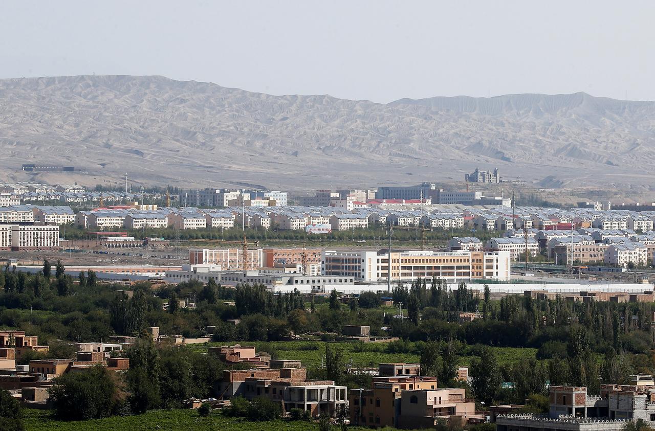 Viên chức Hoa Kỳ cáo buộc các chuyến thăm đến Tân Cương là do Trung Cộng dàn dựng