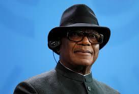Tổng thống Mali sa thải tướng lãnh và giải tán các nhóm nhân dân tự vệ sau vụ thảm sát