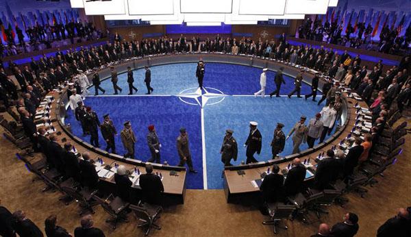 NATO dần được yêu cầu chi tiêu quốc phòng của Tổng thống Trump