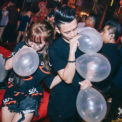 Du khách ngoại quốc chết vì hít khí cười tại quán café ở Hà Nội