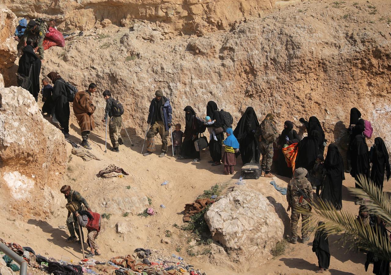 Nhà nước Hồi giáo mất căn cứ cuối cùng ở Syria, hàng trăm chiến binh đầu hàng