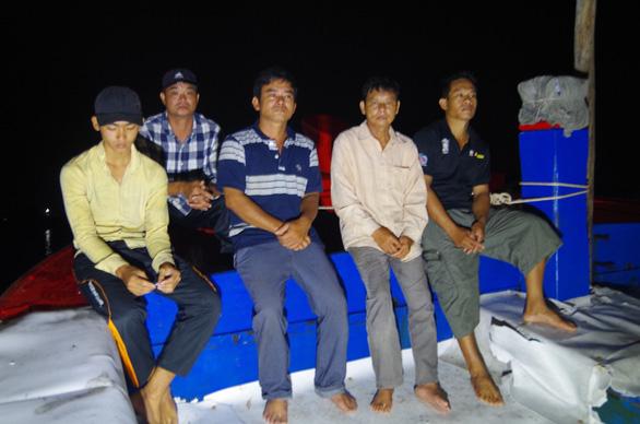 Ngư dân Việt Nam bị tàu Trung Cộng tấn công tại Hoàng Sa