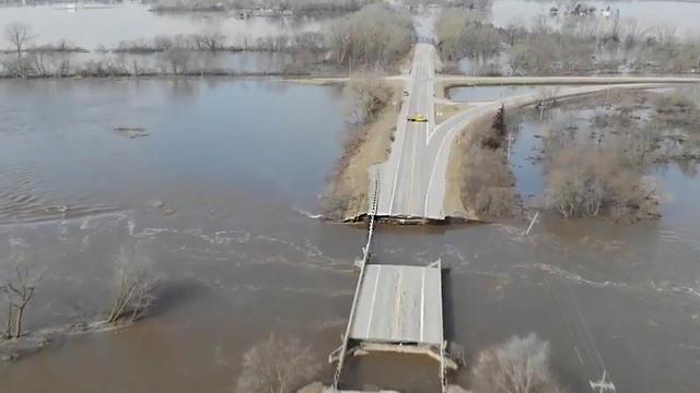 Lũ lụt vùng Trung Tây Hoa Kỳ- ba người chết, hàng trăm người di tản